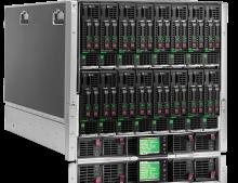 Billede af rackmonterede server moduler